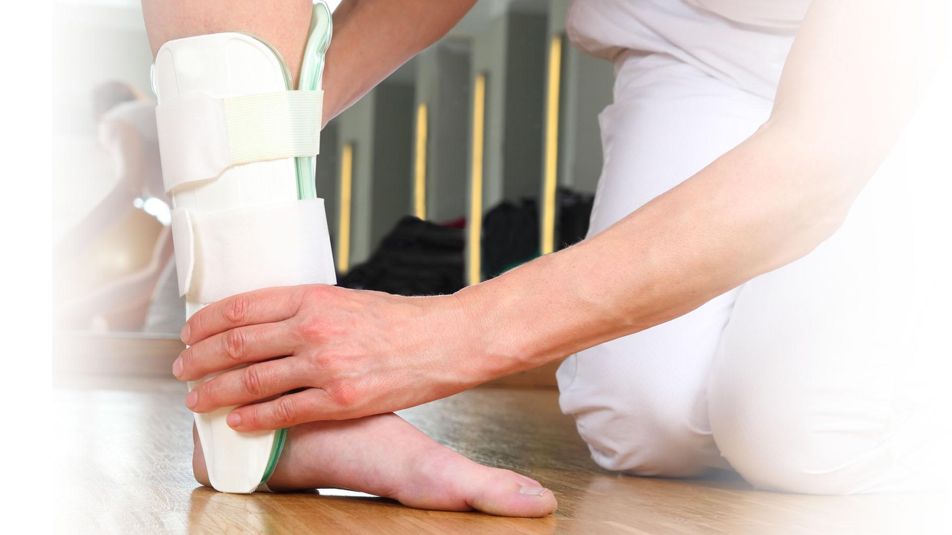Protezy kończyn górnych i dolnych, aparaty ortopedyczne, gorsety